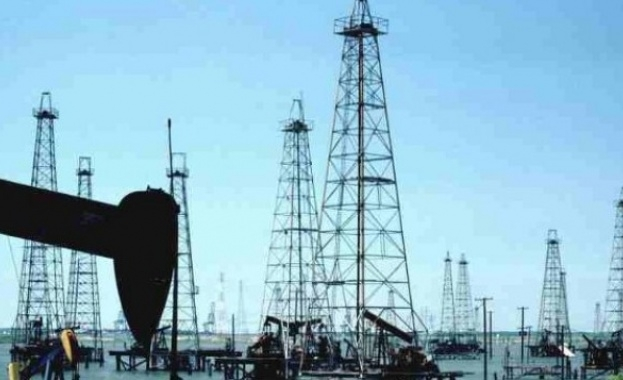 Цените на петрола скочиха рекордно заради атаките срещу саудитски рафинерии.