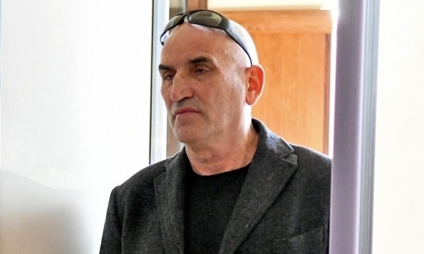 Снимка: Съдът оправда Ценко Чоков по делото за документна измама