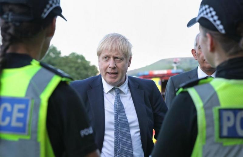 Британският премиер Борис Джонсънобеща да бъде засилено тестването за коронавирус