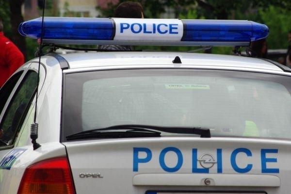 Хванали са двама шофьори, причинили инцидент с метален стълб за