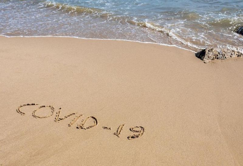 Затвориха плаж и барове до Атина заради неспазване на мерките срещу COVID-19