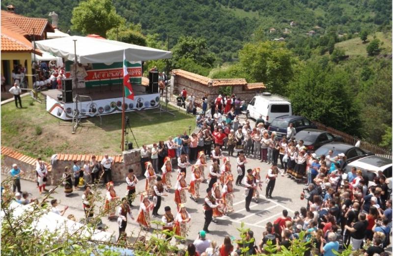 """Тази неделя в Туристически комплекс """"Дядо Йоцо гледа"""", край село"""