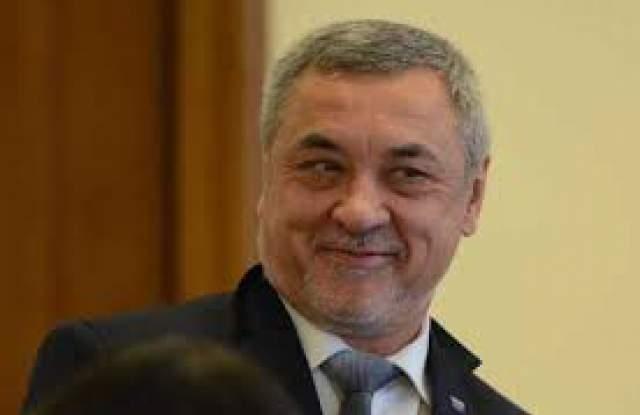 """Лидерът на НФСБ и депутат от ПГ на """"Обединени патриоти"""""""