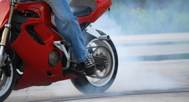 Спипаха неправоспособен водач на нередовен мотопед