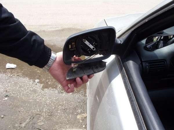 Полицията издирва бандит, потрошил страничните огледала на кола във Врачанско
