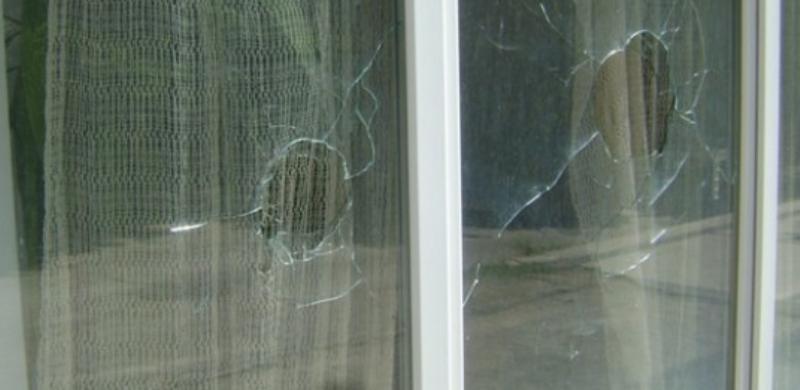 """Неизвестнистреляхапо прозорците на къща в русенския квартал """"Родина"""" 4 в"""