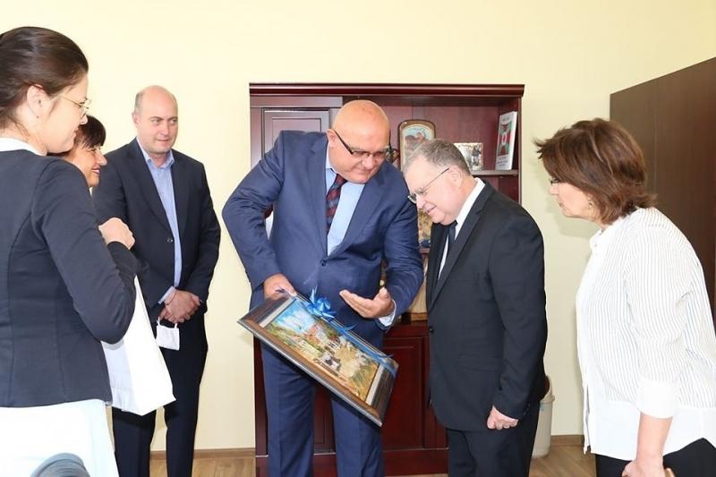 Посланикът на Израел Н. Пр. Йорам Елрон посети Видин днес.