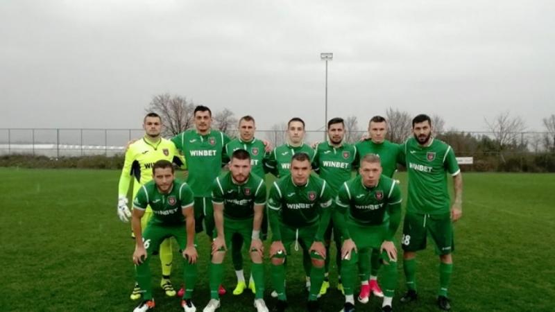 """Двама футболисти на """"Ботев""""/Враца/ пропускат гостуването на Етър в петък,"""