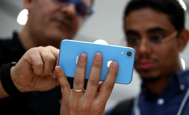 Apple обмисля преместване на производството на iPhone извън Китай, в