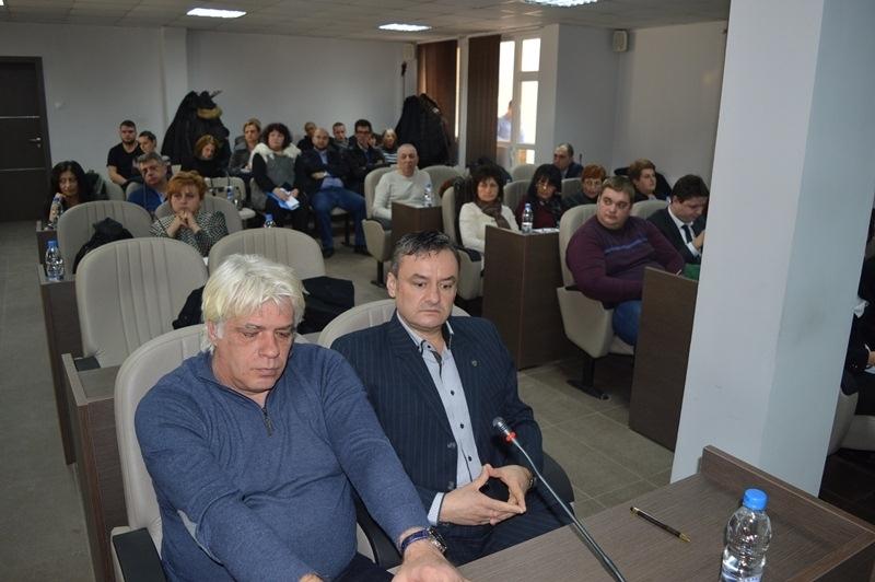 Странни маневри! Общински съветник от Враца се отказа и напуска местния парламент
