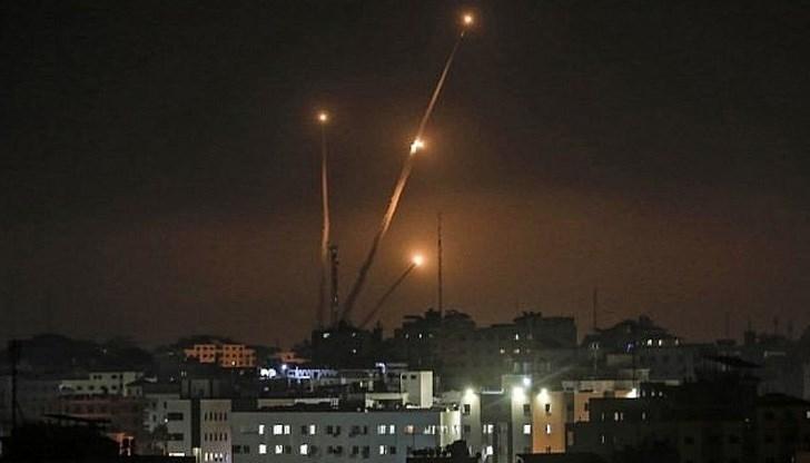 Палестински екстремисти от ивицата Газа са изстреляли снощи три ракети