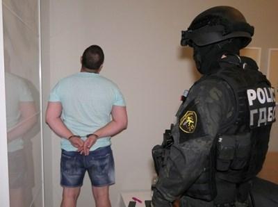 Вижте зрелищни кадри от задържането на брата на Димитър Аврамов /снимки+видео/
