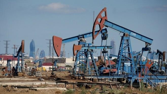 Цената на петрола продължава да пада заради коронавируса