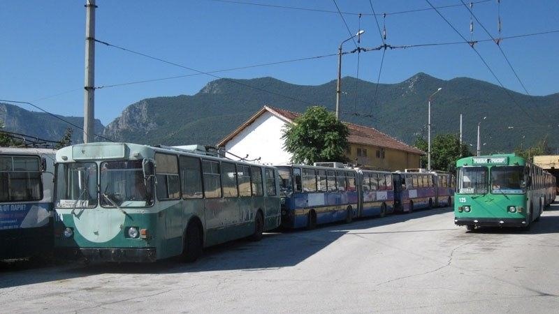 """Част от тролеите, собственост на общинското предприятие """"Тролейбусен транспорт"""" ще"""