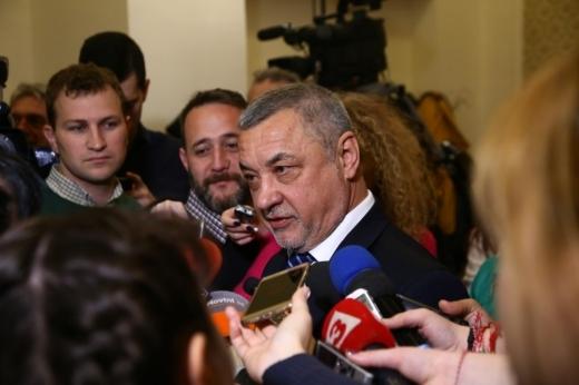 Вицепремиерът Валери Симеонов възпламени истинска бомба по горещата тема със