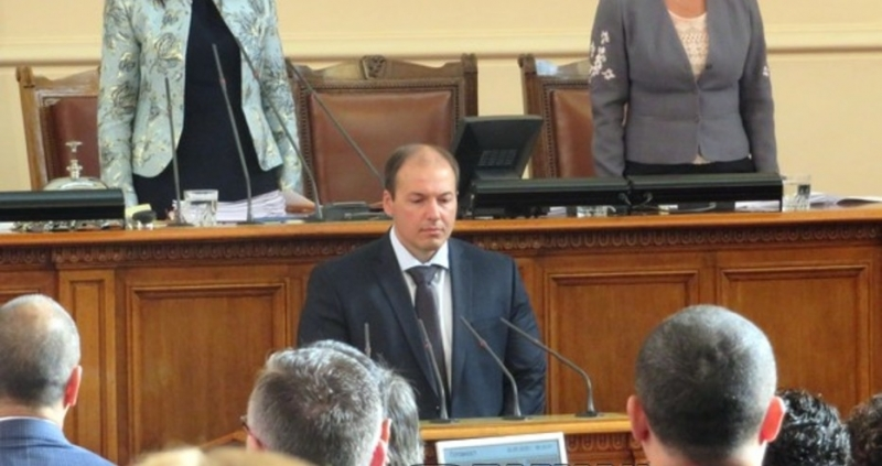 Днес Станислав Попов положи клетва в Народното събрание и влезе