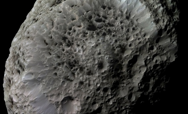 Снимка: NASA: Астероидът Бену ни изненадва