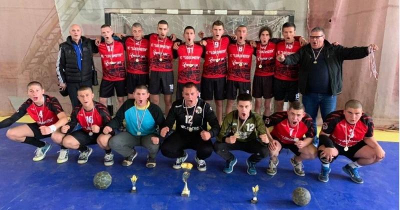 Младежите до 19 г. на ХК Локомотив (Мездра) стартираха с