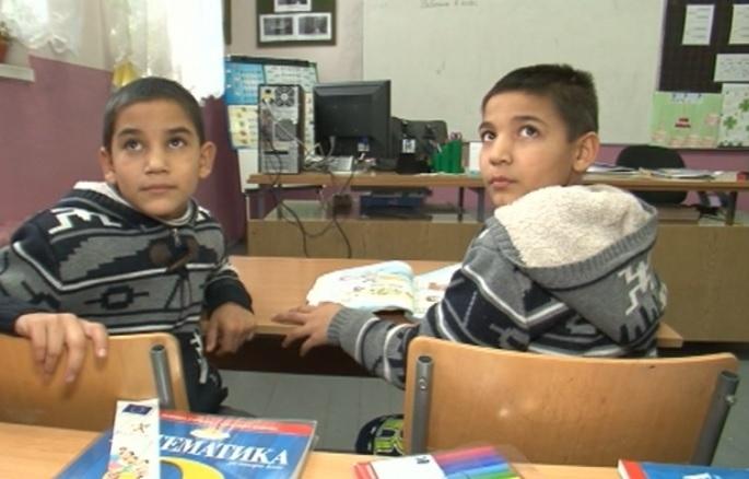 9 000 деца са върнати обратно в клас от началото