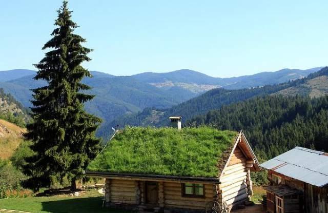Митовете, че в българското село е скучно и безинтересно, вече