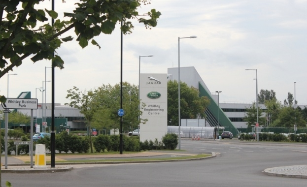 Jaguar Land Rover (JLR) от днес затвори всичките си заводи