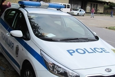 Снимка: Задържаха двама братя, насилвали майка си в Габровско