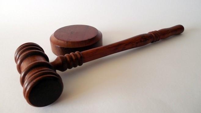 Частен съдебен изпълнител обяви на търг мебелна къща, кафене и