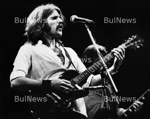 Почина китаристът и съосновател на Eagles