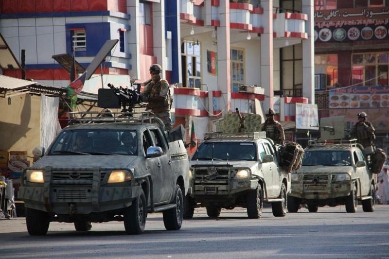 Бомба уби 8 души в Афганистан