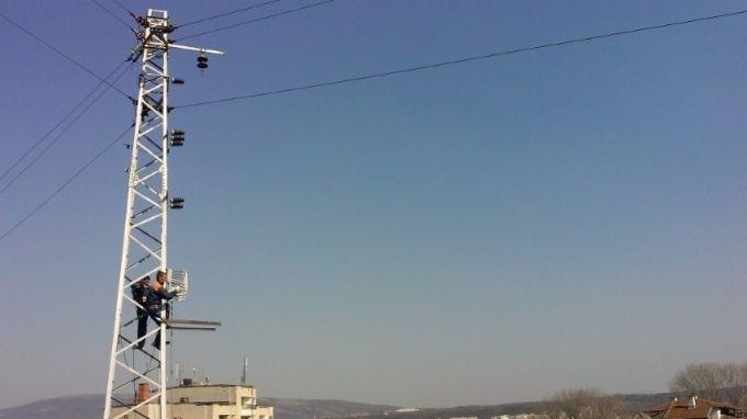 Възстановиха електрозахранването в мездренското село Долна Кремена. Жителите на населеното