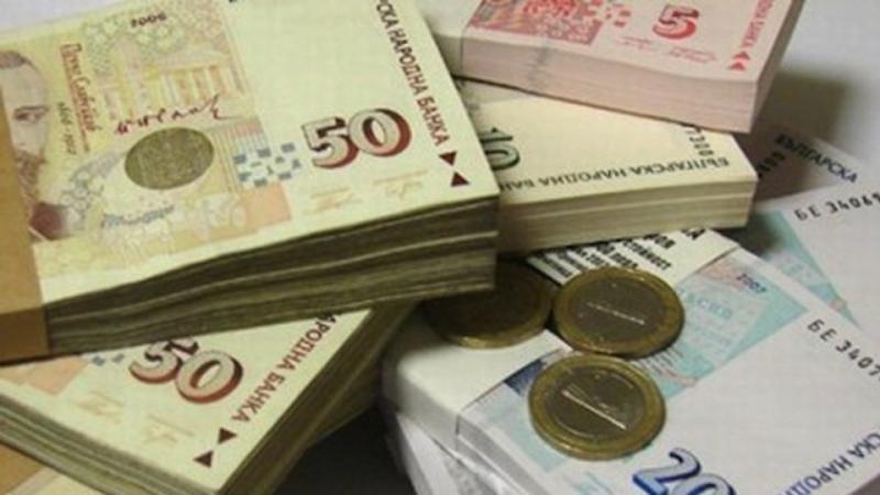 С 1000 лева по-висока е средната заплата в София от