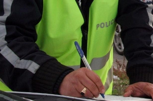 Ченгета от Белоградчик спипаха шофьор на нередовна кола, съобщиха от