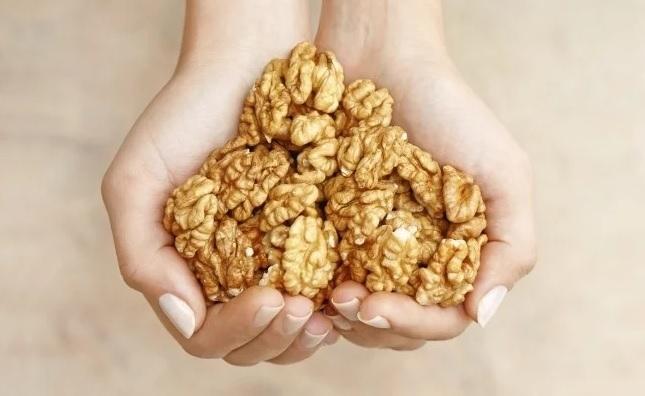 През годините редица изследвания доказаха полезните свойства на орехите. Ново