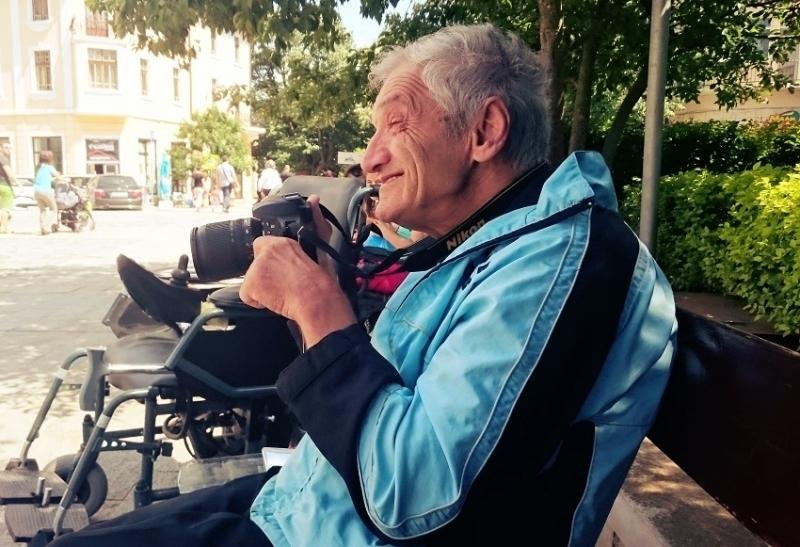 Едно от най-емблематичните лица във Враца - фотографът Тони Дуковски,