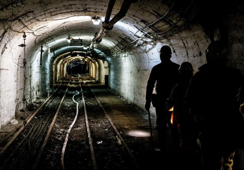 Шестимаминьорисазагинали, а трима са билираненипри срутване във въгледобивна мина вЗападна