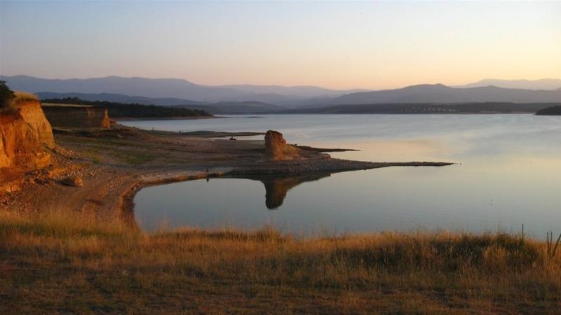 Рибар от Монтана за малко не се удави в язовир