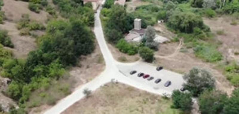 Граждани сигнализираха, че без никакви документи са построениминерална баня, паркинг