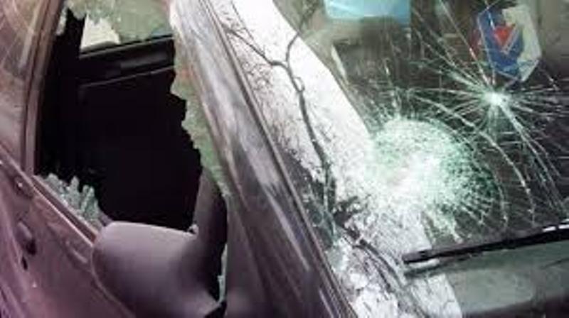 Младеж изпотроши стъклата на кола в Бяла Слатина, съобщиха от