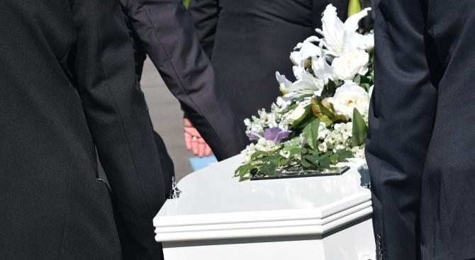 Канадски пианист, който беше погребан от семейството си, се завърна