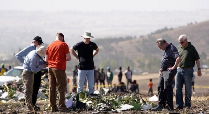 Снимка: Дългогодишна журналистка загина в самолетна катастрофа, докато прави репортаж