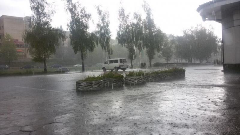 Болницата в Девин е била наводнена след излял се проливен