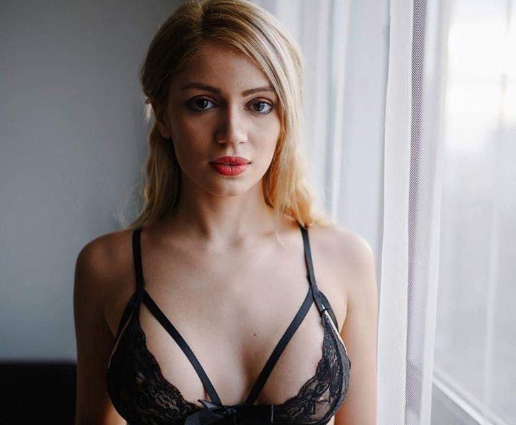 Вижте моделите на еротичния фотограф Станимир Сребър /снимки/