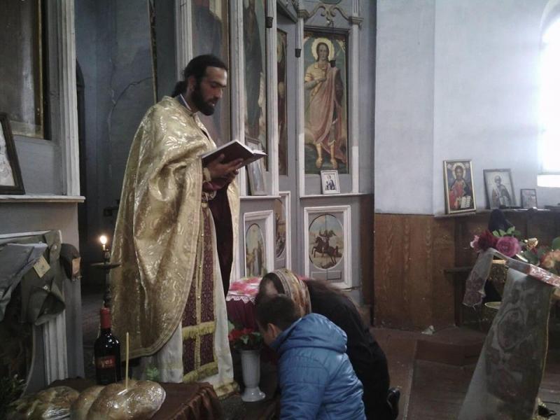 Отец Кирил Велинов, който засега е единственият духовник, получил заповед