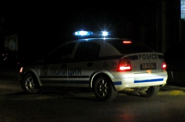 Служители на реда са спипали неправоспособен шофьор на фирмен бус