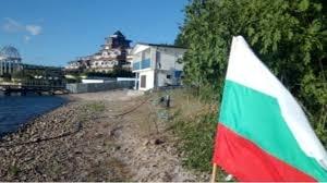 """Напрежението край парк """"Росенец"""" утихна. В неделя хората плажуват спокойно."""