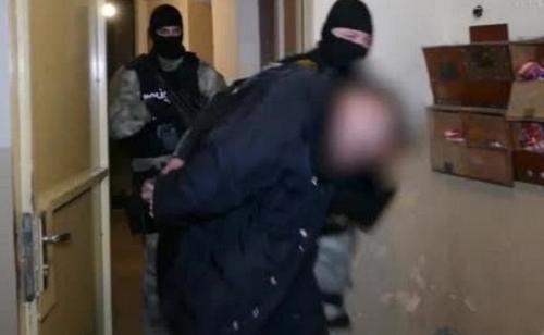Полицаи са тарашили апартамент във Враца за наркотици, научи агенция