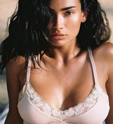 Моделката на Victoria's Secret Кели Гейл е свикнала да вижда