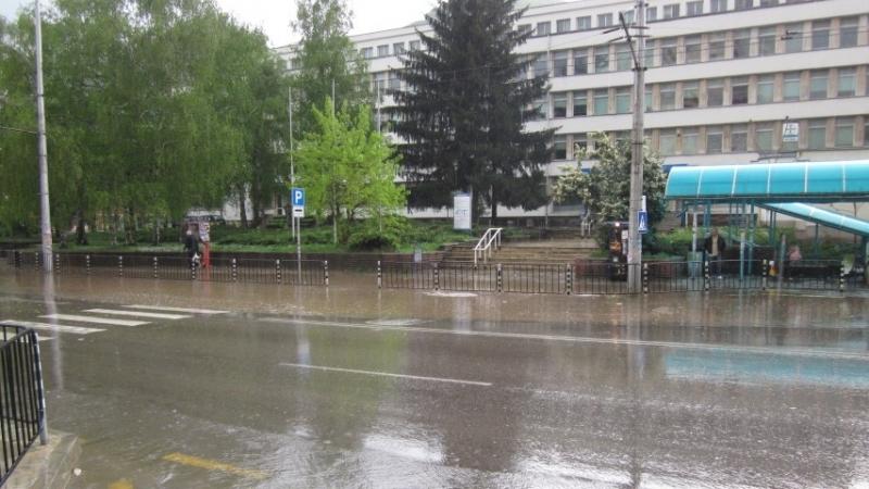 Поради обилните валежи през последното денонощие на територията на област