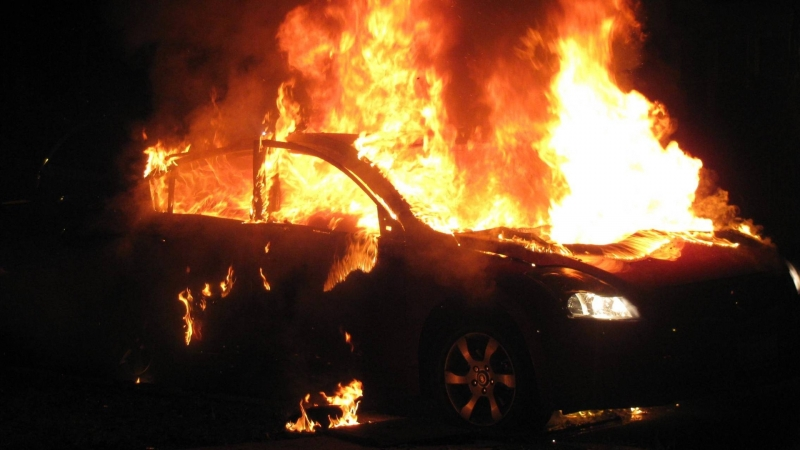 Късо съединение е подпалило кола във Видин, съобщиха от пресцентъра
