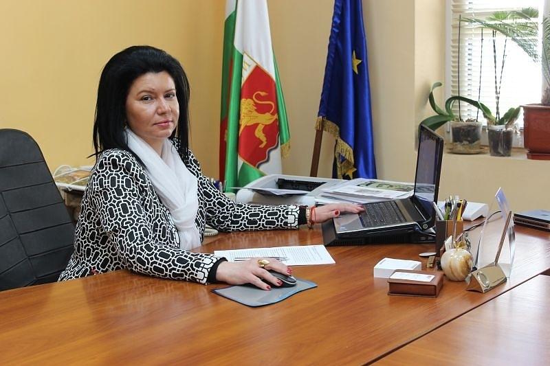 Кметът на община Козлодуй Маринела Николова поиска да увеличи заплатата
